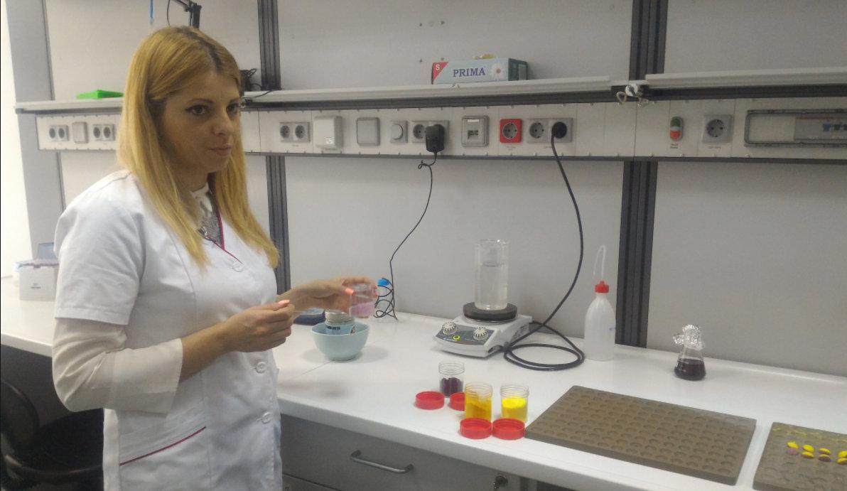 INVENTAT ÎN ROMÂNIA: O studentă din Cluj a creat la facultate BOMBOANELE ÎMPOTRIVA CANCERULUI! Ce conţin drajeurile minune
