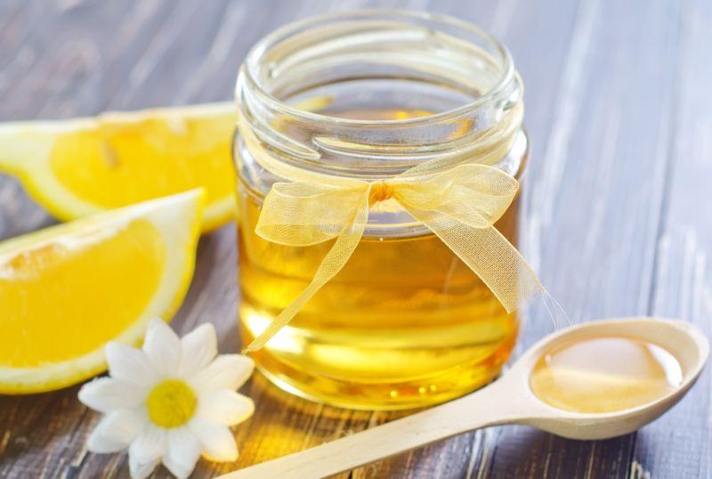 Consuma 2 lingurite de miere inainte de culcare si vei avea un somn linistit si odihnitor in timpul noptii.