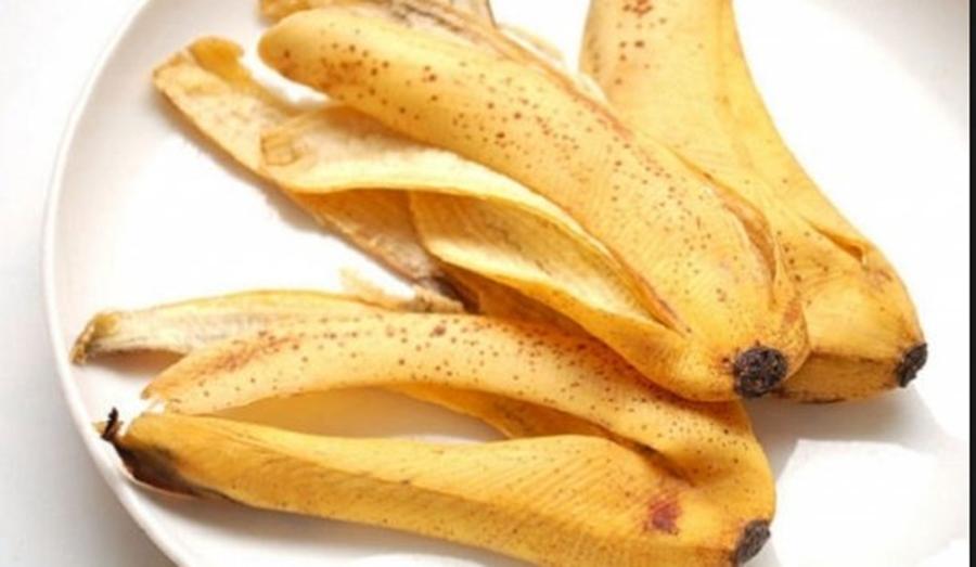 6 utilizări surprinzătoare ale cojilor de banane de care probabil nu ați auzit