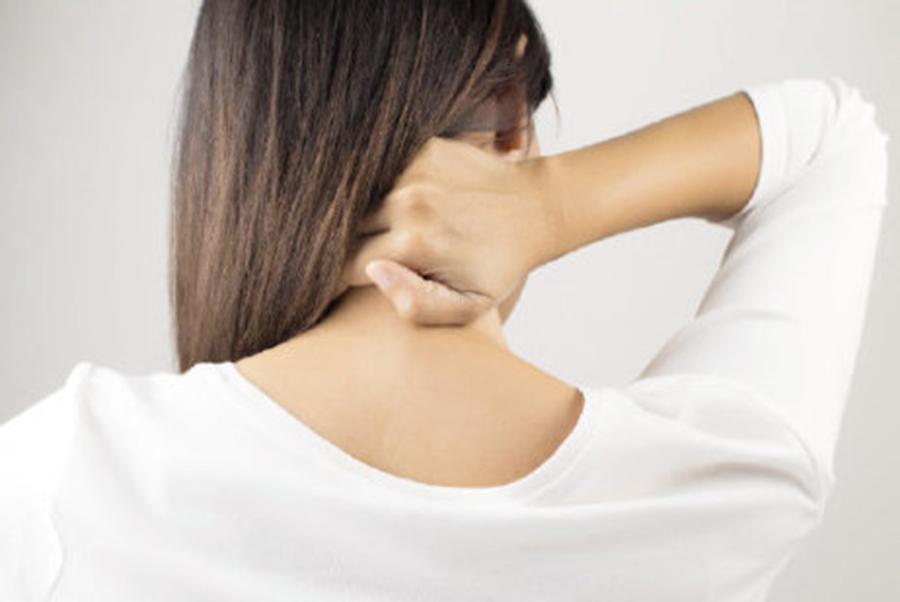 Dureri de cap, tulburări de vedere, ameţeli, slăbiciune musculară, mai întâi la nivelul braţelor, apoi şi al picioarelor… Iata ce boala poate provoca toate aceste probleme