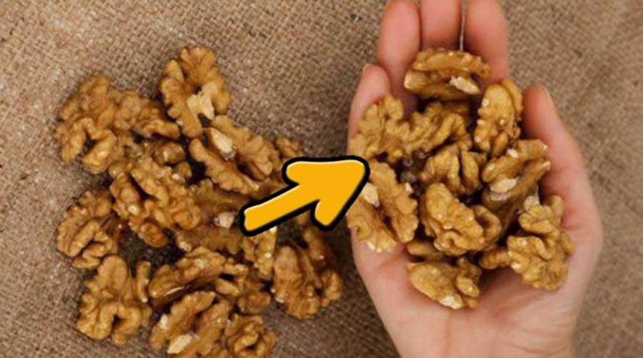 Ce se întâmplă la 4 ore după ce ai mâncat o mână de nuci? Iata răspunsul medicilor