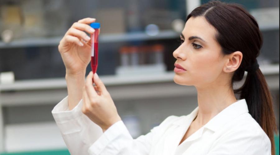Cinci teste medicale, recomandate femeilor, care depistează cancerul înainte de apariția simptomelor
