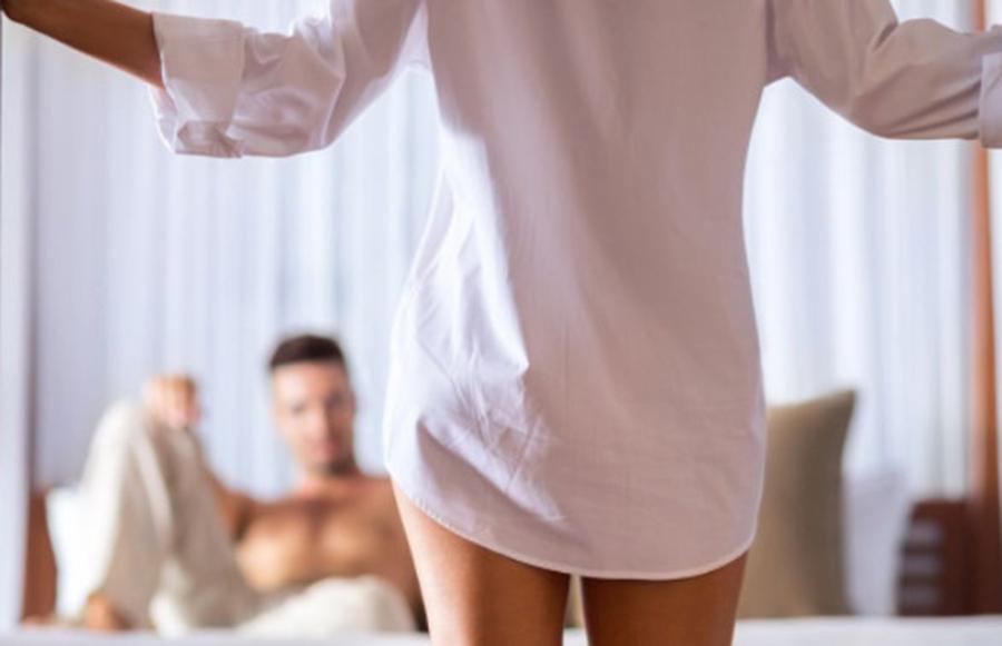 """Cât contează… marimea? În dormitor… Ce îi sfătuiesc specialiștii pe bărbații nu foarte """"dotați"""""""