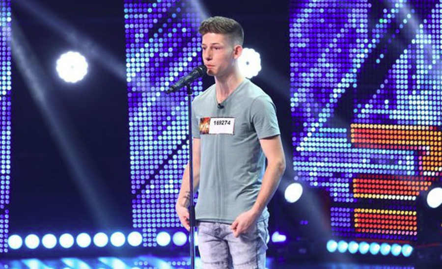 """Poveste impresionantă spusă pe scena """"X Factor"""". Are 24 de frați, dar a copilărit în centre de plasament"""