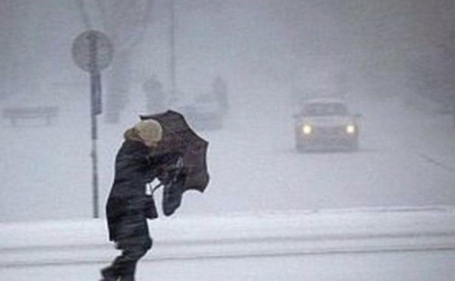 Vreme rea peste România! Intră în vigoare un cod galben de polei, ninsoare şi viscol