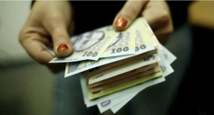 Aberația fiscală revine. Vii cu bani de acasă ca să plătești contribuții statului