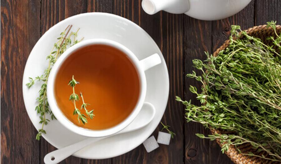 5 ceaiuri din plante care iti curata sistemul digestiv