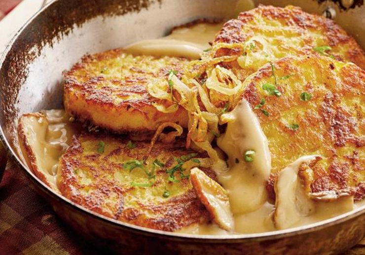 Cine spunea că mâncare fără carne nu este gustoasă? ia uitați ce minunăție de cartofi cu cașcaval avem noi aici