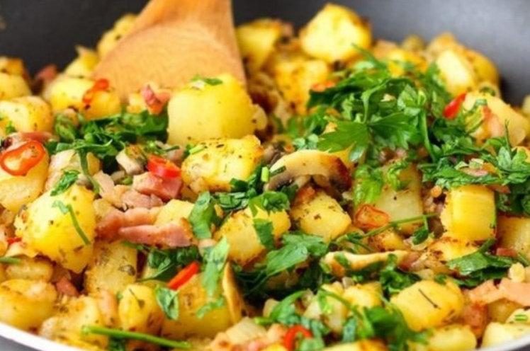 Pentru pranz si cina – Mancarica de cartofi cu sunca