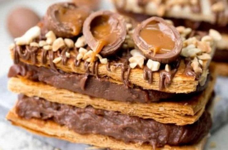 Mille-feuille cu crema de ciocolata si caramel