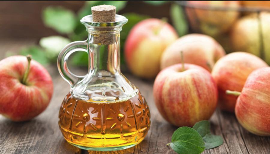 Cum folosesti otetul de mere pentru a combate durerile in gat