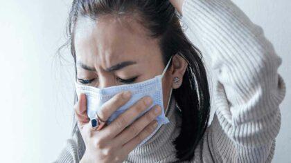 Simptomele COVID pe zile: medicii...